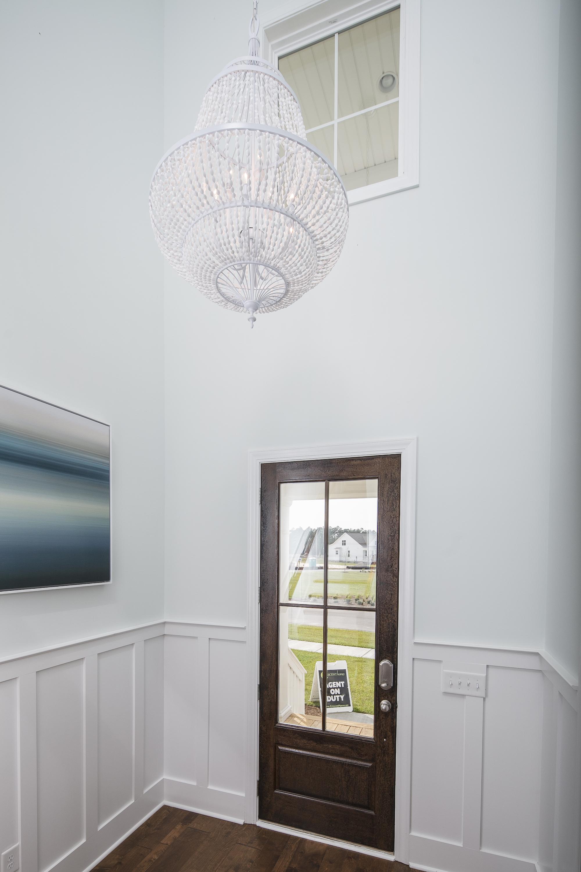 Crescent Homes - Designer Lighting - Foyer Style Chandelier
