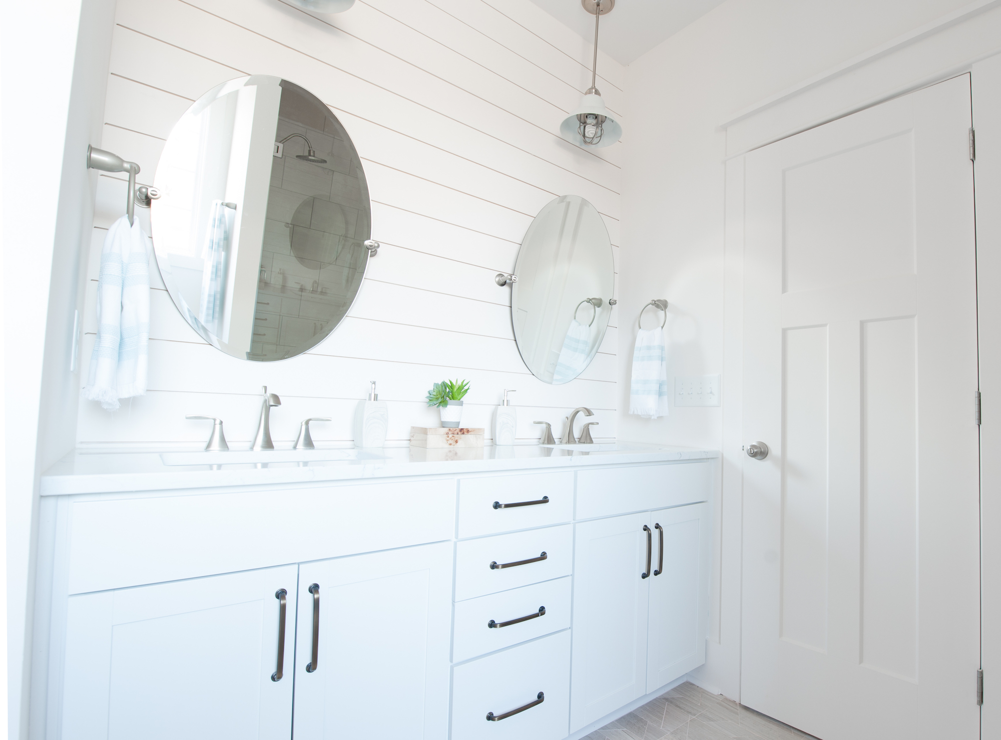 Crescent Homes Designer Lighting Bathroom