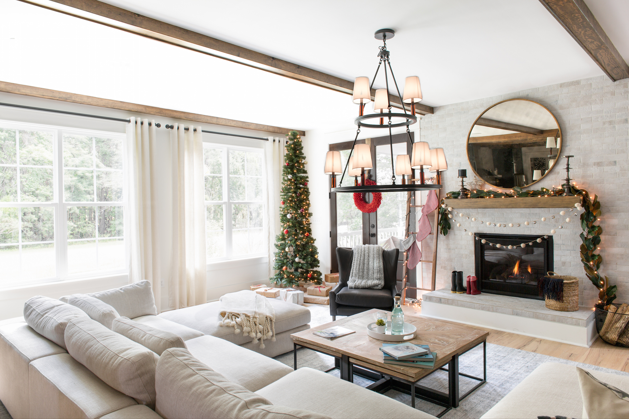 Top 5 Reasons To Buy a Crescent Home Over the Holidays