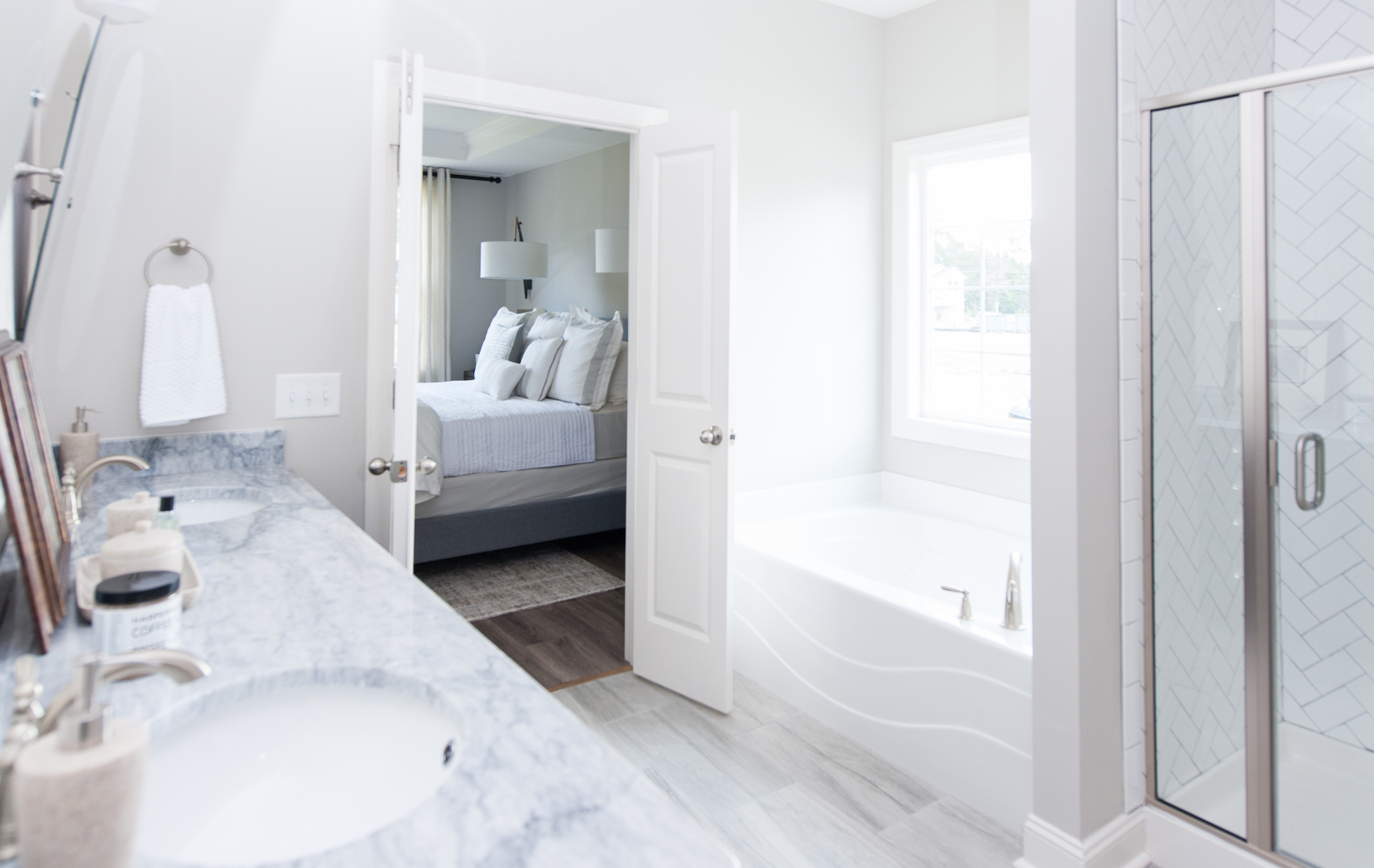 Crescent Homes Hunters Bend Master Bathroom